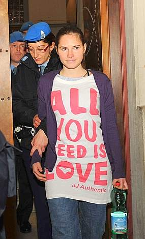 amanda knox hot pictures. Amanda Knox