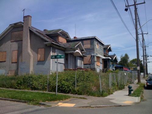 bbf8/1242680110-sisley_houses.jpg