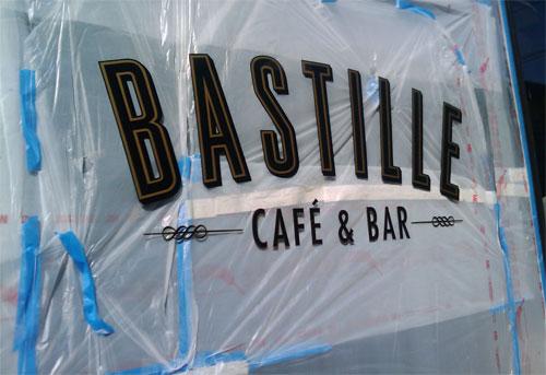 c669/1246299835-bastillewindow.jpg