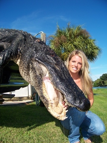 1253294334-unlikely-gator-slayer-18737-1253291637-9.jpg