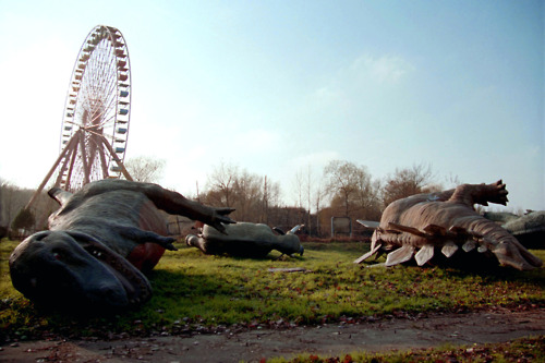 I guess a ferris wheel killed the dinosaurs. Or made them sleepy.