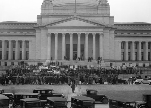 On January 16, 1933, people converged on Olympia for a Hunger March to demand food, shelter, relief and programs to create jobs for the unemployed throughout the state.
