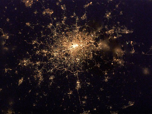 Do you recognize this intriguing globular cluster of stars? Its actually the constellation of city lights surrounding London, England, planet Earth, as recorded with a digital camera from the International Space Station.