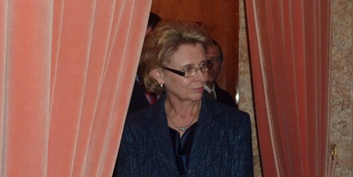 Gov. Chris Gregoire, keeping watch.