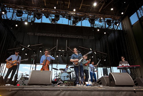 Hey Marseilles Noon Set: Seems a good a time as any to pop your shirt off and paint your chest