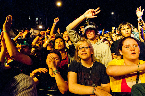07_Crowd_-_Fitz_and_the_Tantrums_9374.jpg