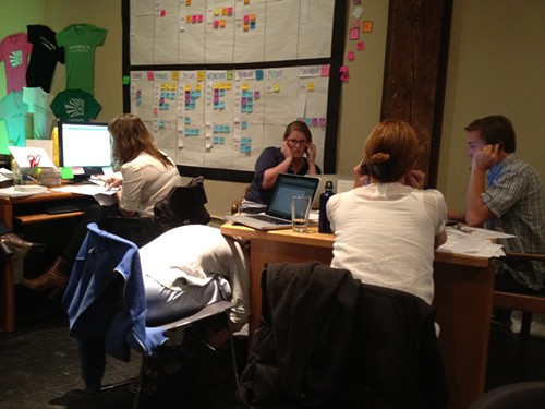 Emily Nokes, Anna Minard, Gillian Anderson, and Brendan Kiley at last nights phone bank.