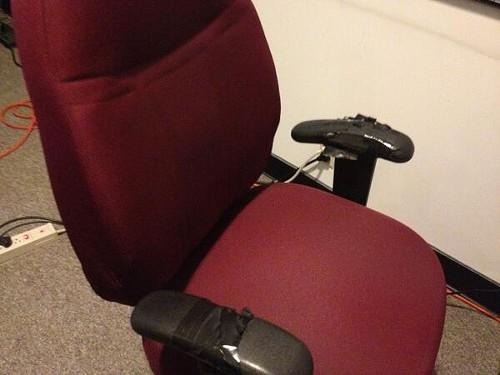 chairthatturnsyourclothesblack.jpg