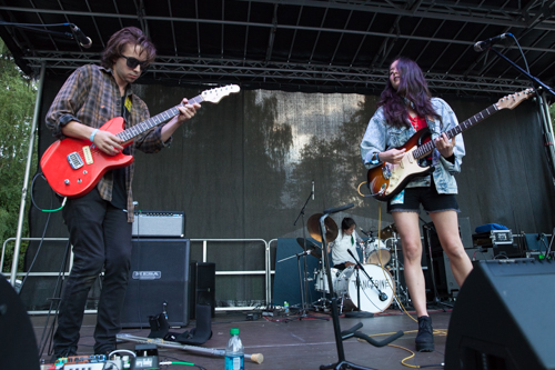 Tangerines bubbly indie rock could be in a teen-romance movie.