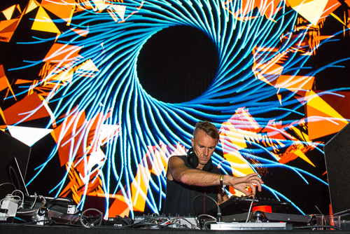Richie Hawtin, valiantly trying to keep up with the visuals.