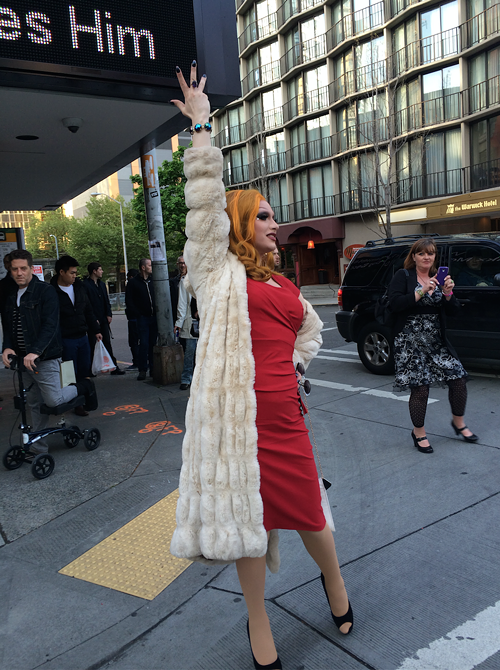 Right as I was walking up to Cinerama, there was Jinkx Monsoon, standing in the street.