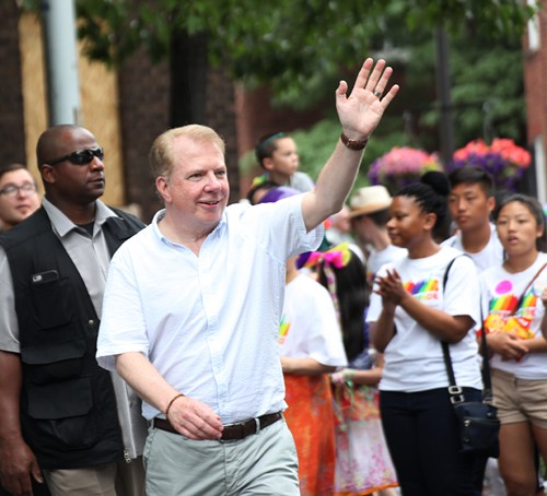 Sources say Mayor Ed Murray had some fun at Pony on Saturday night. Glad he didnt oversleep and miss the parade!