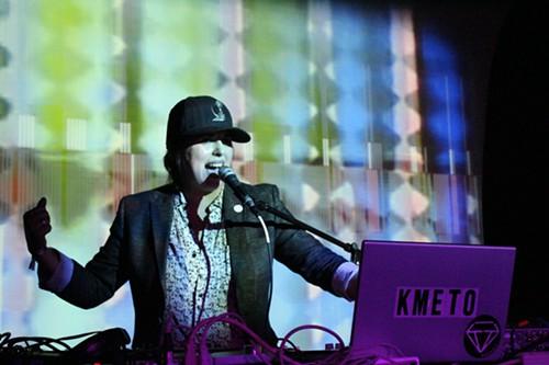 Natasha Kmetos heart-inflating rhythm & bravado.